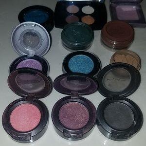Makeup - Huge lot of MAC Urban Decay shadows